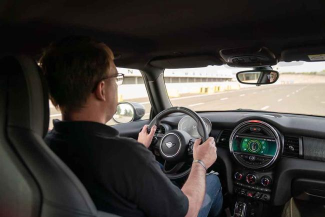 Interieur_mini-john-cooper-works-gp-millesime-2020-essai_4