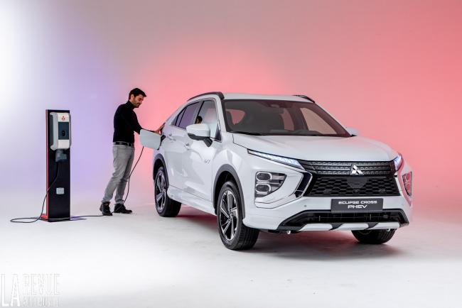 Exterieur_mitsubishi-eclipse-cross-phev-presentation_0