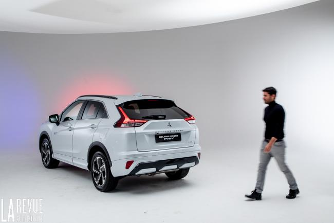 Exterieur_mitsubishi-eclipse-cross-phev-presentation_10