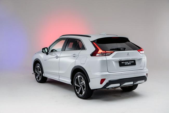 Exterieur_mitsubishi-eclipse-cross-phev-presentation_16