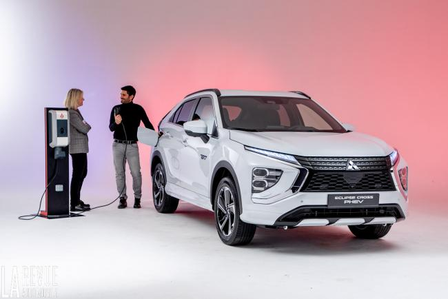 Exterieur_mitsubishi-eclipse-cross-phev-presentation_2