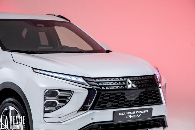 Exterieur_mitsubishi-eclipse-cross-phev-presentation_8