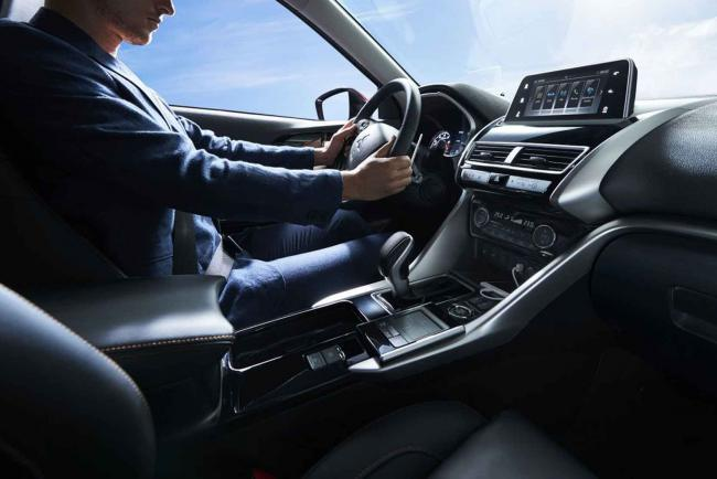 Interieur_Mitsubishi-Eclipse-Cross-S-AWC_23