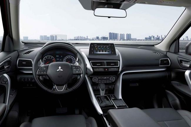 Interieur_Mitsubishi-Eclipse-Cross-S-AWC_24