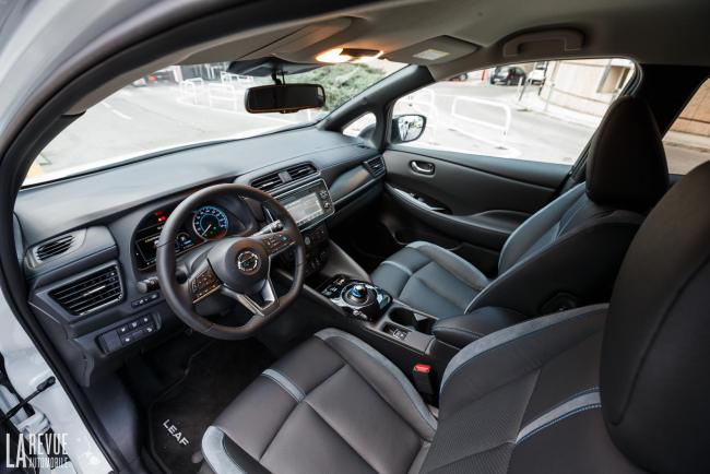 Interieur_Nissan-Leaf-2018_38
