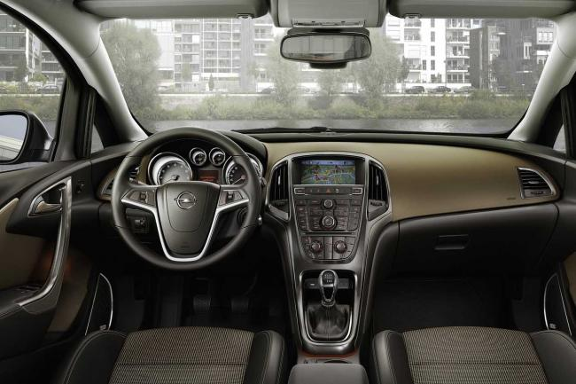 Interieur_Opel-Astra-Sports-Tourer_27