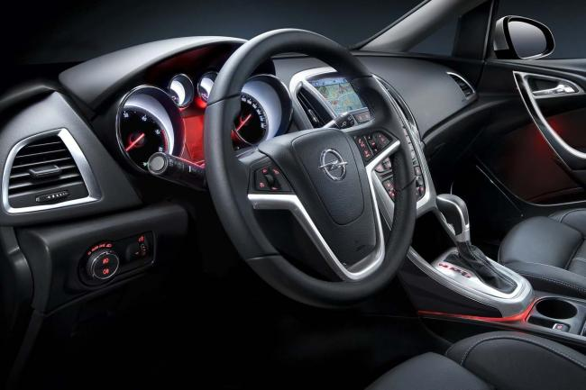Interieur_Opel-Astra-Sports-Tourer_26