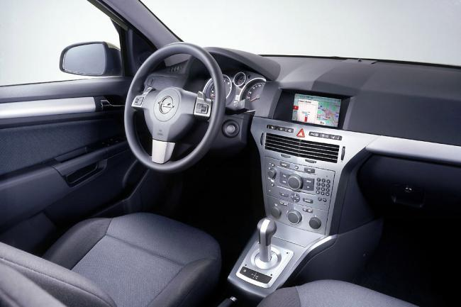 Interieur_Opel-Astra_58