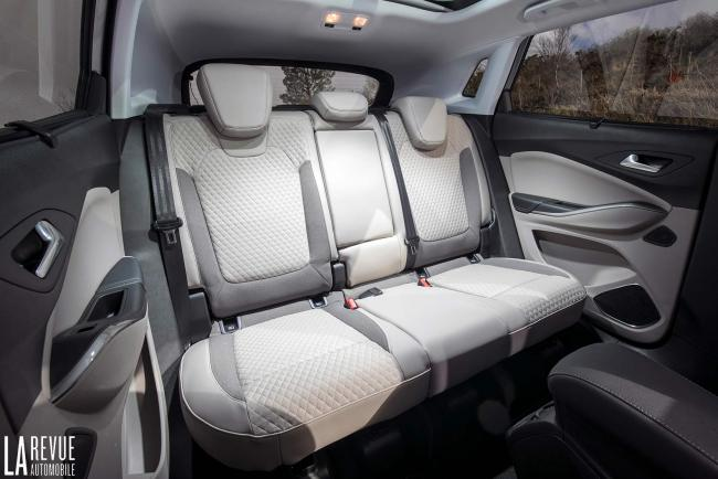 Interieur_Opel-Grandland-X-ULTIMATE-177ch-AT8_29