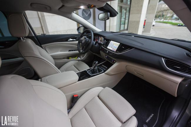 Interieur_Opel-Insignia-Grand-Sport-1.5-Turbo_37