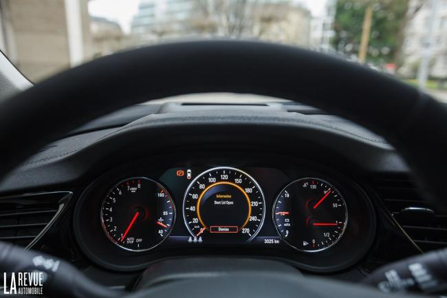 Interieur_Opel-Insignia-Grand-Sport-1.5-Turbo_32