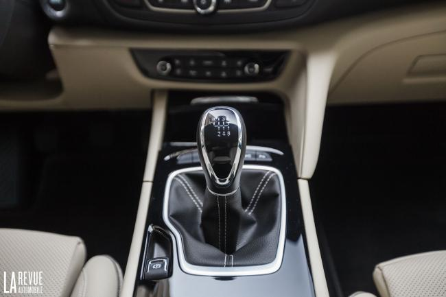 Interieur_Opel-Insignia-Grand-Sport-1.5-Turbo_31