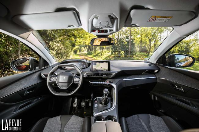 Interieur_Peugeot-3008-BlueHDi-120_15