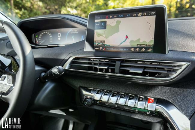 Interieur_Peugeot-3008-BlueHDi-120_20