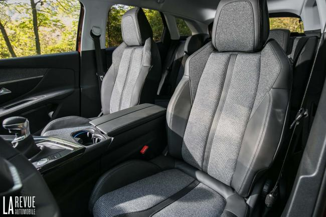Interieur_Peugeot-3008-BlueHDi-120_19