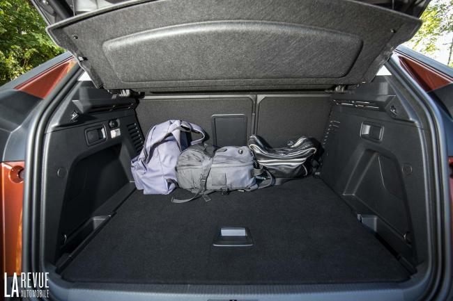 Interieur_Peugeot-3008-BlueHDi-120_22