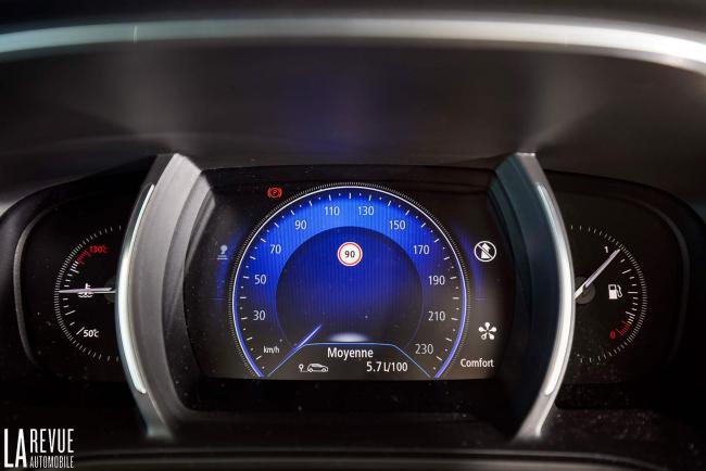 Interieur_Renault-Megane-Estate-dCi-130_21