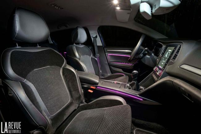 Interieur_Renault-Megane-Estate-dCi-130_26