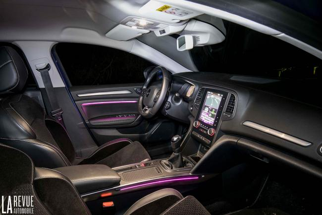 Interieur_Renault-Megane-Estate-dCi-130_38
