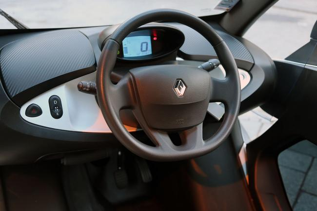 Interieur_Renault-Twizy-Intens_18