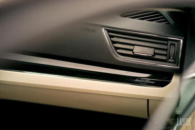 Interieur_skoda-superb-iv-laurin-klement-la-berline-hybride-rechargeable-a-l-essai_7
