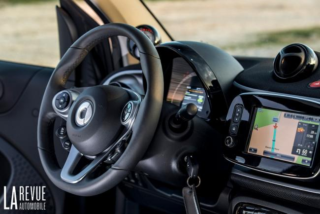 Interieur_Smart-EQ-Fortwo-2018_15