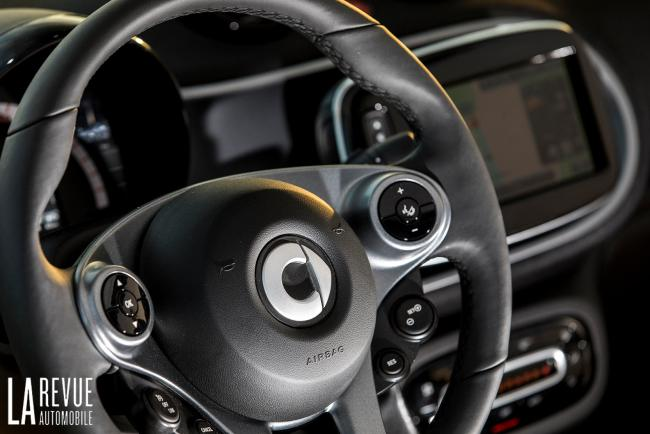 Interieur_Smart-EQ-Fortwo-2018_19