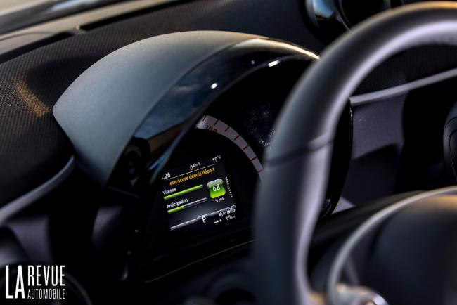 Interieur_Smart-EQ-Fortwo-2018_23