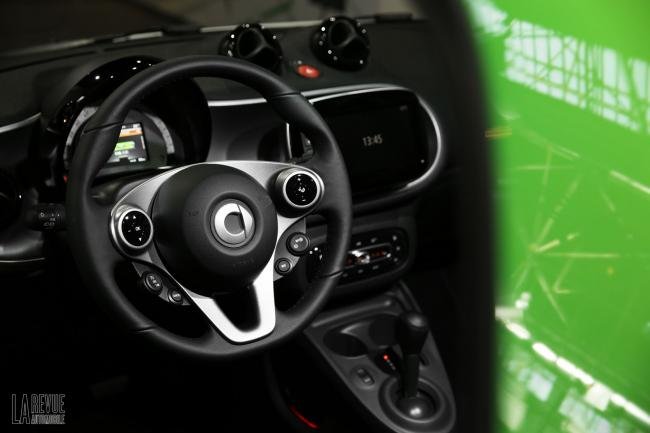 Interieur_Smart-ForTwo-Electric-Drive-2017_35
