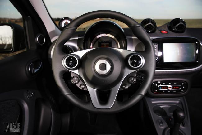 Interieur_Smart-ForTwo-Electric-Drive-2017_32