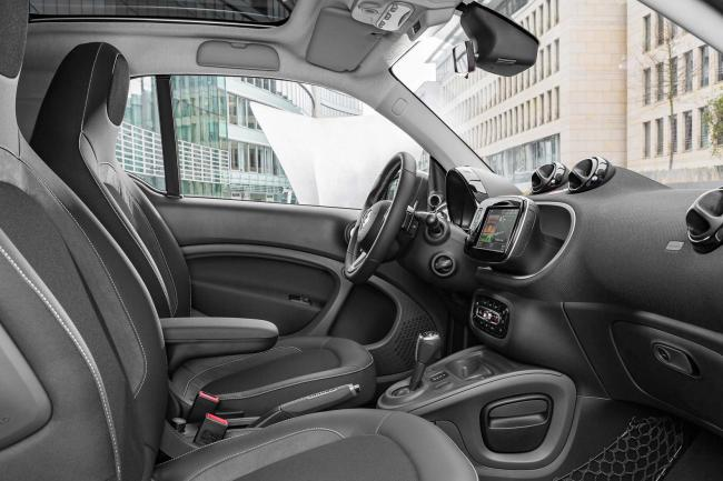 Interieur_Smart-Fortwo-Brabus-2016_12