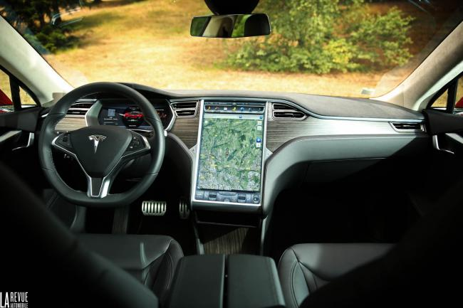 Interieur_Tesla-Model-S-P85D_43