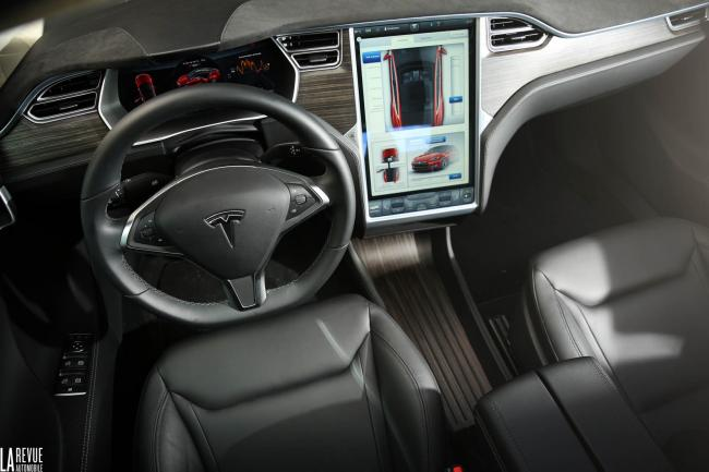 Interieur_Tesla-Model-S-P85D_49