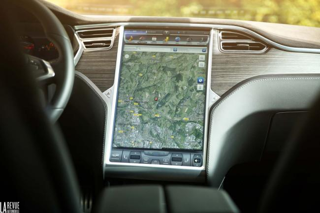 Interieur_Tesla-Model-S-P85D_51
