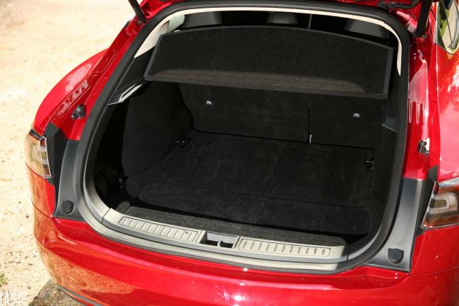 Interieur_Tesla-Model-S-P85D_50