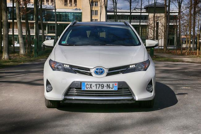 Exterieur_Toyota-Auris-Touring-Sports_4