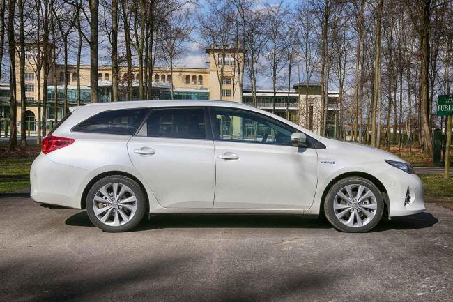 Exterieur_Toyota-Auris-Touring-Sports_0