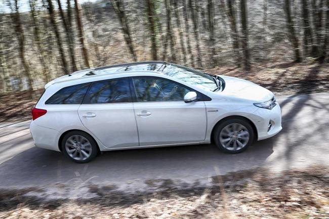 Exterieur_Toyota-Auris-Touring-Sports_5