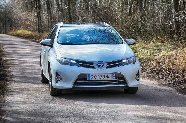 Exterieur_Toyota-Auris-Touring-Sports_3