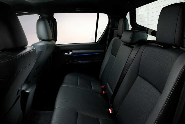 Interieur_toyota-hilux-invincible-le-nouveau-pick-up-2020_1