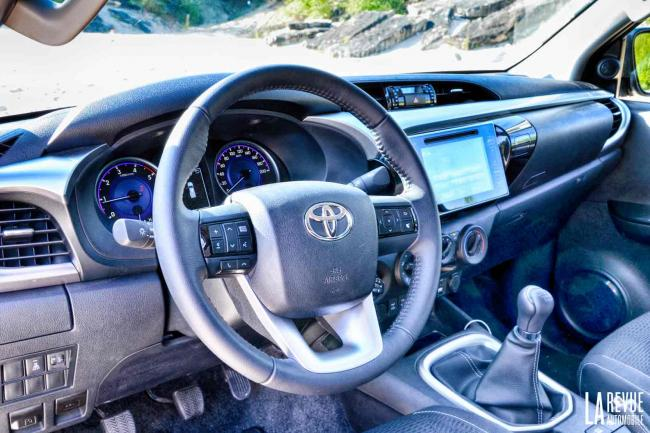 Interieur_Toyota-Hilux-Xtra-Cabine_22