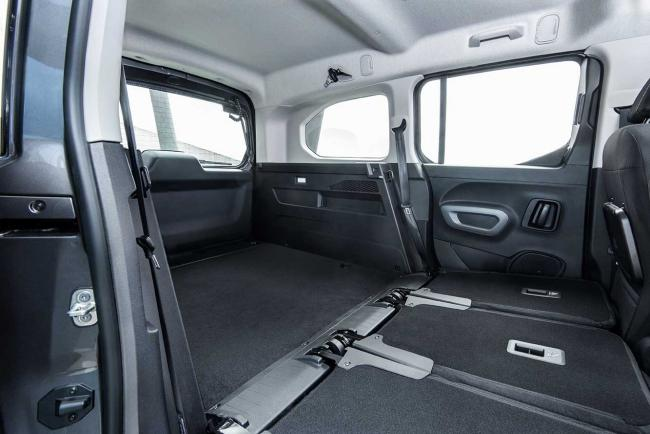 Interieur_toyota-proace-city-verso_3