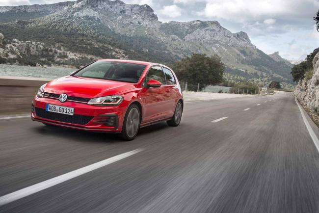 Exterieur_Volkswagen-Golf-GTI-Performance_14