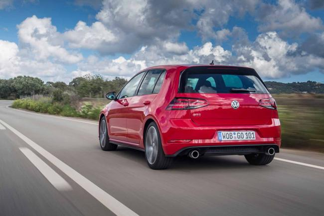 Exterieur_Volkswagen-Golf-GTI-Performance_11