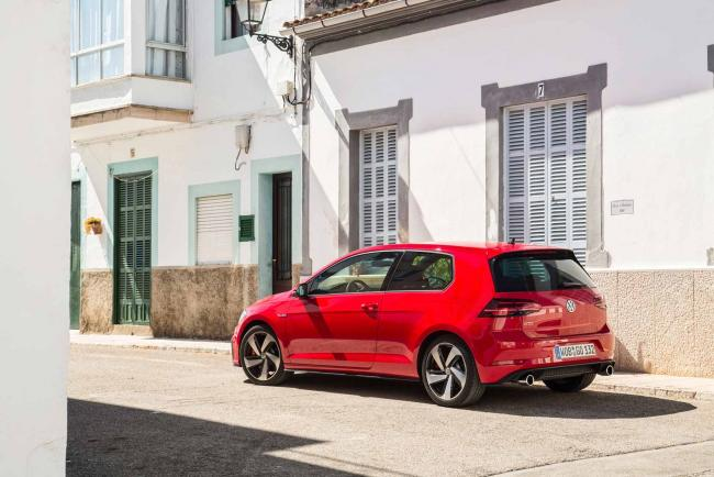 Exterieur_Volkswagen-Golf-GTI-Performance_5