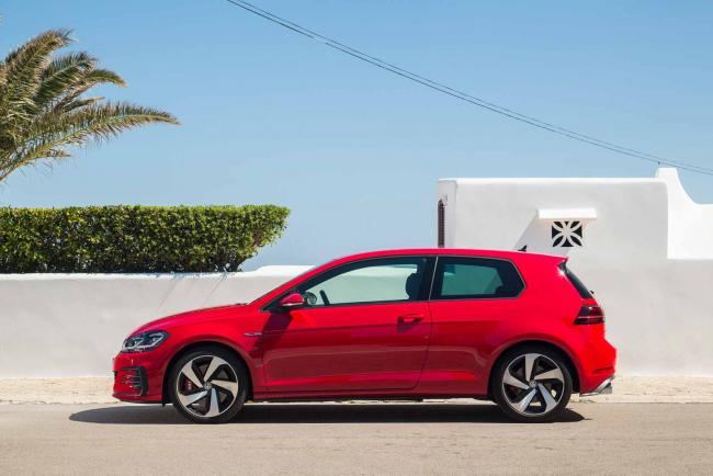 Exterieur_Volkswagen-Golf-GTI-Performance_17