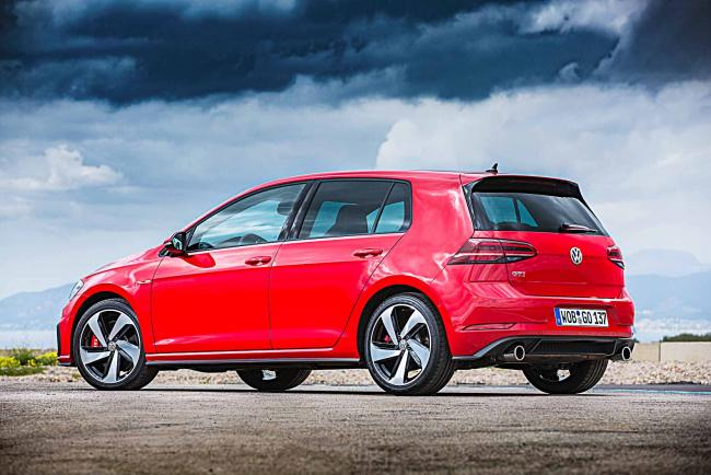 Exterieur_Volkswagen-Golf-GTI-Performance_9
