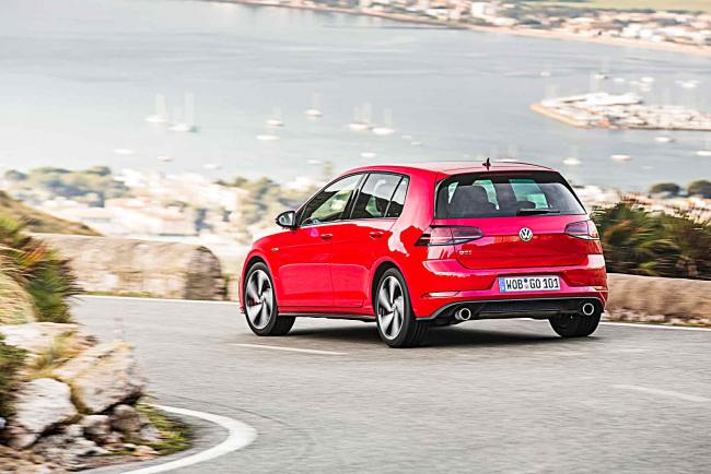 Exterieur_Volkswagen-Golf-GTI-Performance_13
