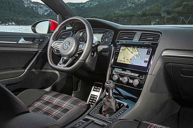 Interieur_Volkswagen-Golf-GTI-Performance_20