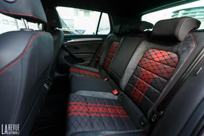 Interieur_volkswagen-golf-gti-tcr_14